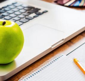 7 terveellistä välipalaa työpöydän ääreen