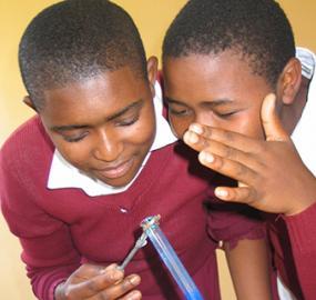 Eden Springs tukee tieteen opiskelua Tanzaniassa