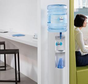 6 syytä hankkia vesiautomaatti toimistoon
